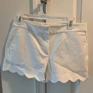 Women's white scalloped shorts size 2